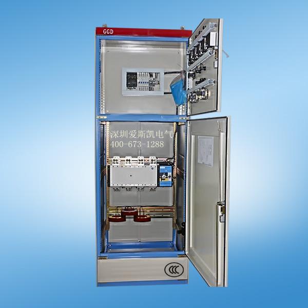 ATS双电源转换柜:适用于市电和发电机组的转换 双电源转换柜实时监测两路市电的供电质量(此时控制器可分别设置为三种工作模式:一路主用、二路主用、无主用,一路或者二路主用时即自投自复),当市电线路断电或供电质量不能满足负载要求时,控制系统自动发出起动发电机组信号,并将负载转换到发电机组供电。当市电恢复正常时,控制系统自动将负载转换到市电线路供电,并发出信号停止发电机组运行进入待机状态。无主用时(即自投不自复),当一路市电断电或者供电质量不能满足负载要求时,控制系统自动将负载转换到二路市电供电,只有当二路市电